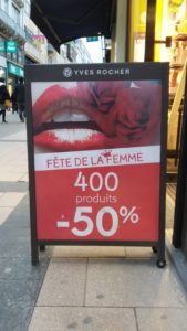 « Women's Day » : A cosmetic brand in Belgium offers a 50% discount to women.