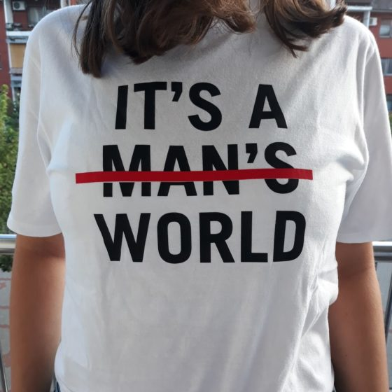 A T-shirt that Žana Gamoš made and gave as a gift to women.